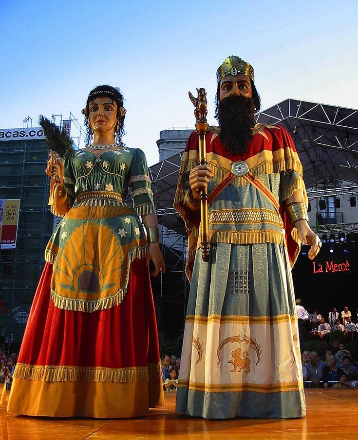Los gigantes de Barcelona durante la fiesta de la Merce. Photo via wikimedia.org