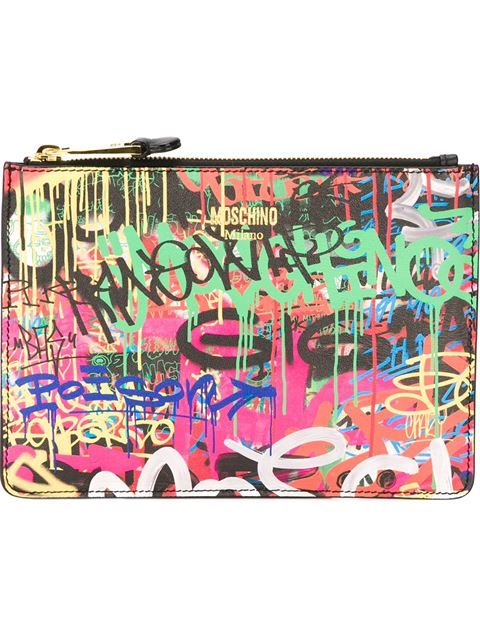 Shop Moschino graffiti print clutch in Tiziana Fausti from the world's best independent boutiques at farfetch.com. Shop 300 boutiques at one address.