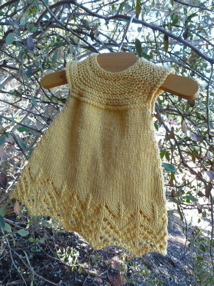 Lemon Chiffon is a light and cool summer dress, that will grow with your baby girl into a tunic.Top down design, with an a-line cut, and a keyhole back.Knit mostly in the round and is a super fast pattern.Yarn weightSport / 5 ply (12 wpi) ? Gauge20 stitches = 4 inchesNeedle sizeUS 6 - 4.0 mmYardage160 - 600 yards (146 - 549 m)Sizes availableSizes - Newborn (3 months, 6 months, 12 months, 18 months, 2T, 3T)The lace is charted and written out.