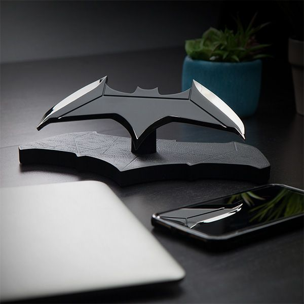 Batman Batarang 1:1 Scale Replica | ThinkGeek
