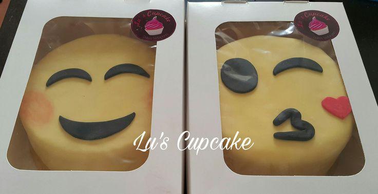 Emoji cake ❤