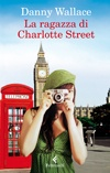 Una ragazza misteriosa. Un incontro casuale tra le vie di Londra. Un sorriso. Poi più nulla. O forse no?... Una intensa commedia romantica, l'esordio narrativo di uno dei più brillanti talenti del mondo dello spettacolo inglese.