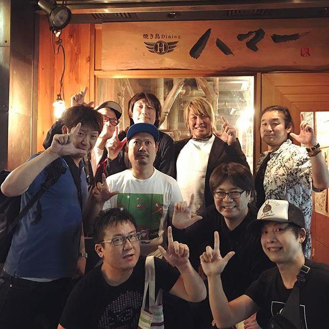 hiroshi_tanahashi #テンダラー 浜本さんのお店「ハマー」で。 #大阪の思い出 #モンハン #ジオリジン #奥さんが美人 #新日本プロレス スタッフ #LOVEandENERGY #妖精さん みんな #プロレス 大好き♪  2017/06/12 23:45:01
