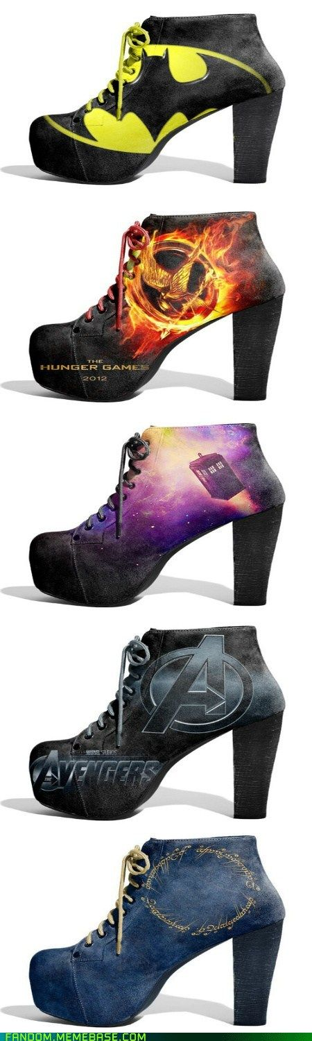 Sexy fangirl shoes featuring DC and Marvel comics themes. Any girls seen wearing these gains instant kudos points!
