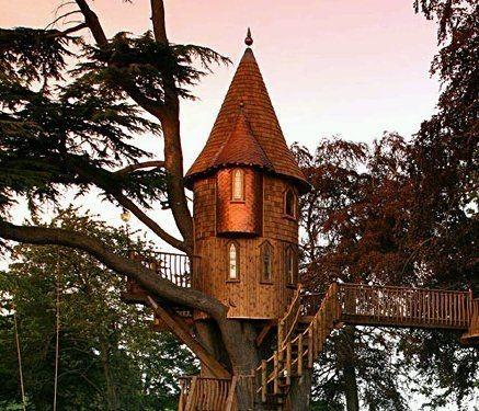 Turret-esque tree house.