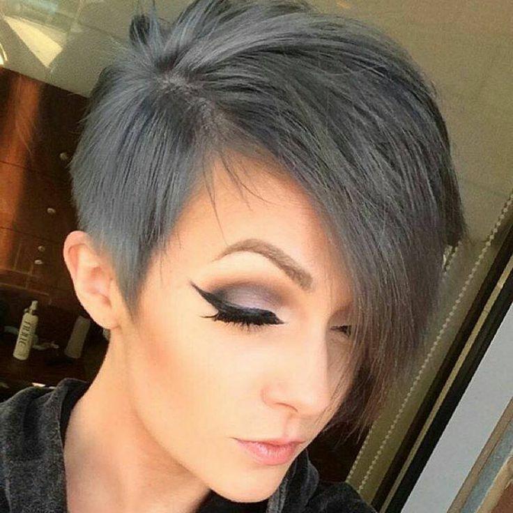 Du bist Fan der letzten Haartrends? Wir zeigen Dir heute 10 tolle Kurzhaarfrisuren, die im Moment total angesagt sind. Mit einem dieser Kurzhaarschnitte liegst Du voll im Trend!