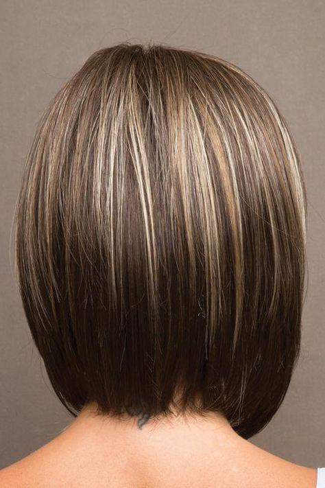 Elegant entspannte Bob Perücke mit einem wispy Umfang und gefiederten Seiten. ...   - Hair styles - #Bob #EINEM #elegant #entspannte #gefieder