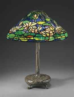 TIFFANY STUDIOS  A 'POND LILY' LEADED GLASS AND BRONZE TABLE LAMP, CIRCA 1910