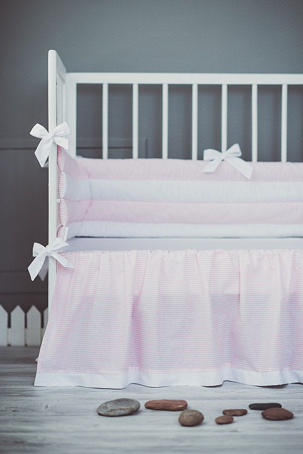 Pink white crib bumper with bows - Cot bumper for baby girls nursery by CotandCot on Etsy