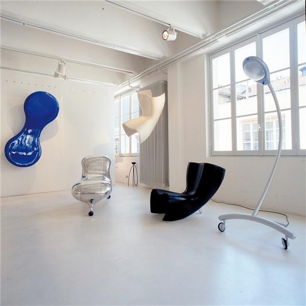 Felt chair by Marc Newson @Galleria Sozzani, 1991
