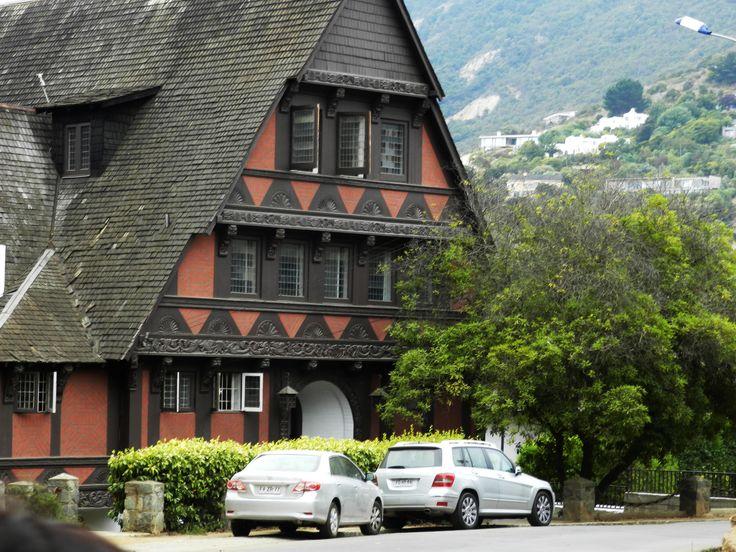 Esta es una de la primeras casas de Zapallar es maravillosa.