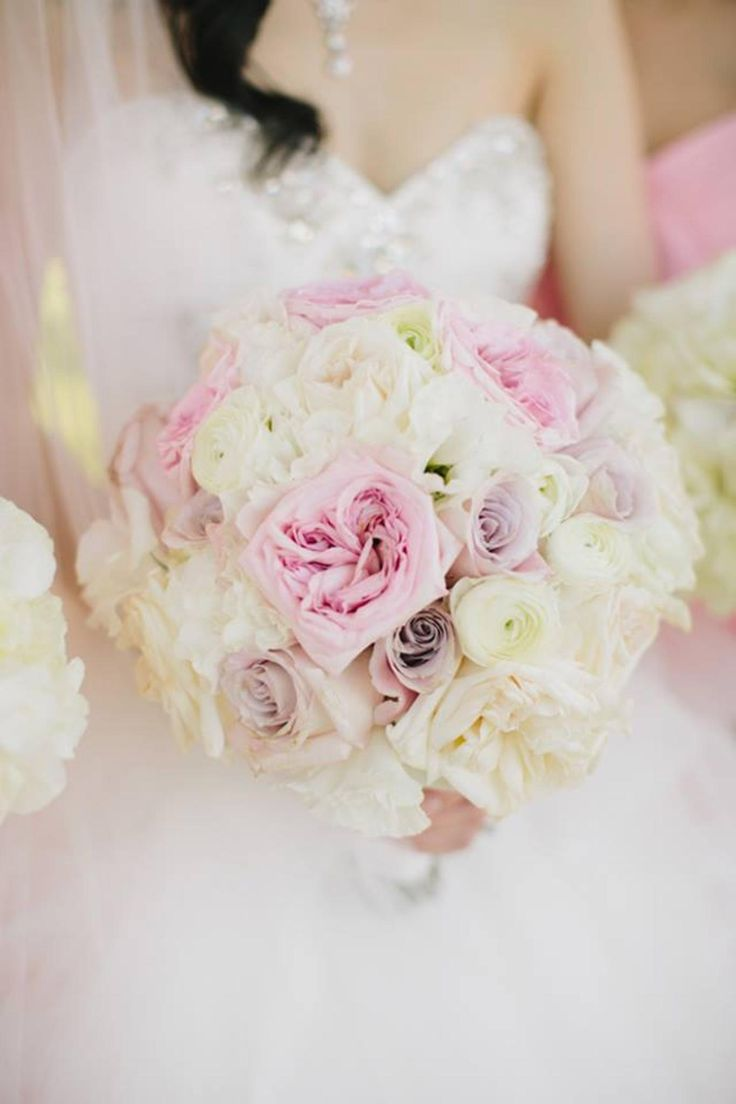 romantic wedding boquet