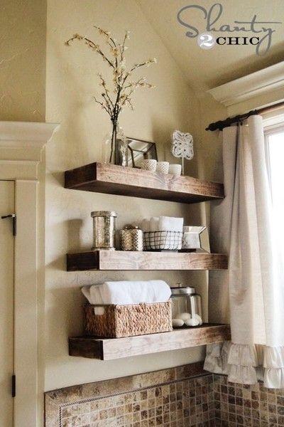 スッキリ!キレイ!さっぱり!~洗面&脱衣所の工夫~ SUVACO(スバコ) 収納がなくても棚などは後付けできます。作り付けだと棚自体がスッキリなので、籠やビンなども利用して無駄のない美しい収納が可能です。