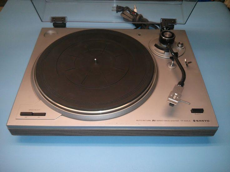 A Vendre Table Tournante Sanyo TP 1005A (1988) For Sale Vintage Audio Montreal MTL