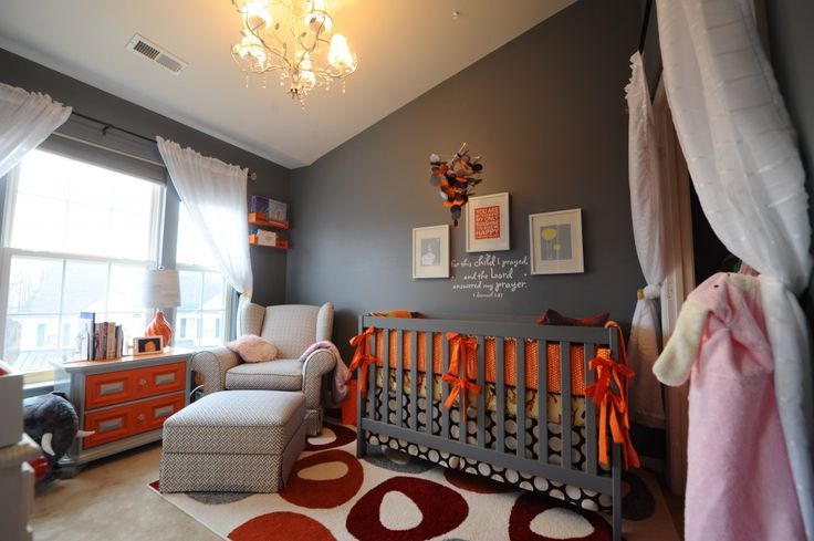 Gray nursery with orange pops of colorWall Colors, Colors Combos, Boys Nurseries, Grey Wall, Projects Nurseries, Colors Schemes, Baby Room, Boys Room, Gray Wall