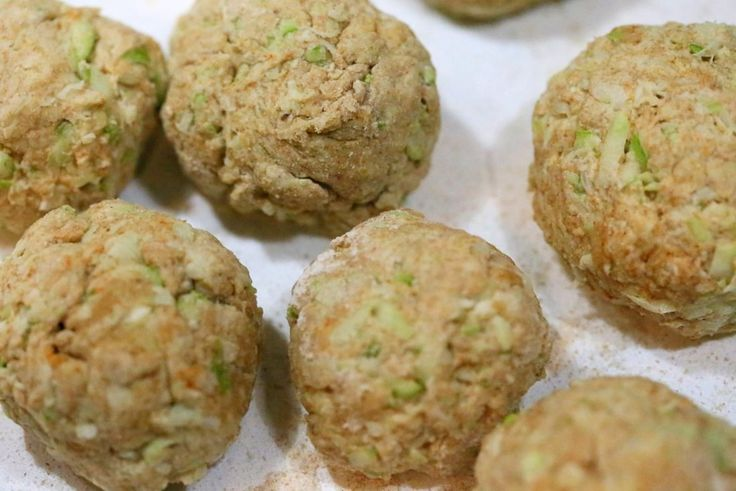 Laukiパラタ - スパイスOPOスカッシュ/ズッキーニ小麦フラットブレッド。 簡単にインドのフラットブレッド。 酵母フリー、全粒粉   VeganRicha.com #vegan #Indian #recipe