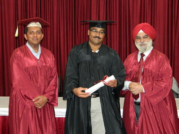 Dr. Mohamed Ahmed Mohamed Hamid receiving certificate of  Diploma in Minimal Access Surgery at World Laparoscopy Hospital. For more detail please log on to www.laparoscopyhospital.com