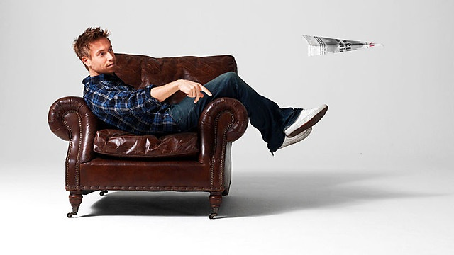 i think i'm in love. not quite sure what it is about british comedians, but it's not hard to fall for them. russell howard's good news is sort of like the younger, easily distracted brother of mock the week, which is another show i've recently been hooked on.