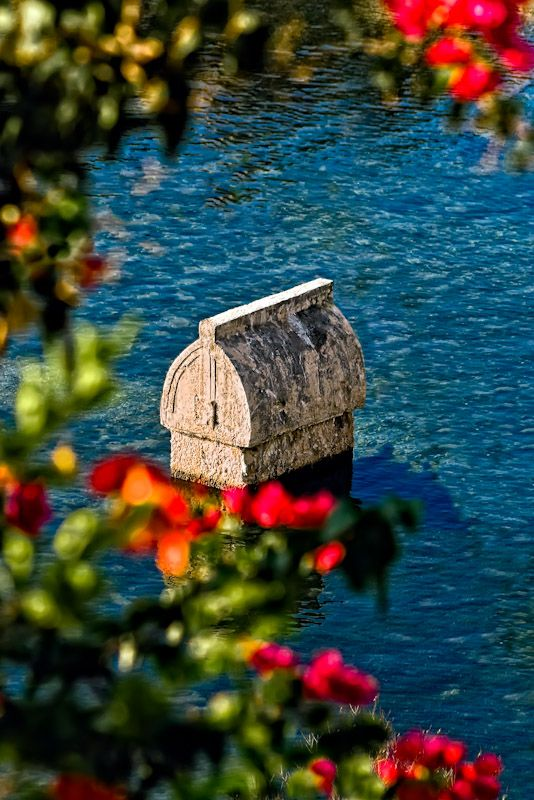 Lycian tomb in the sea | Antalya,Turkey / Полузатонувшая ликийская гробница, Ликийская тропа, Турция. http://www.turkish-property-world.com/kas_apartment.php