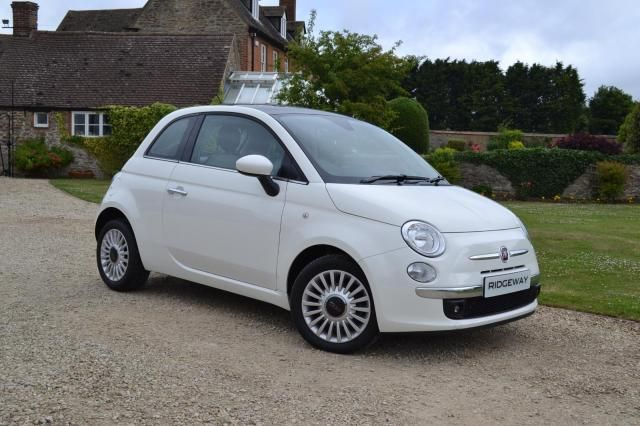 Fiat 500 Lounge and it's mine!