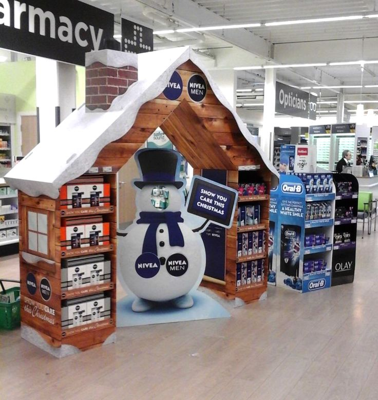 Nivea Christmas Archway & Standee - Cardboard Engineering Pete Hardy - Design Ollie Tremlett - Superior Creative Design