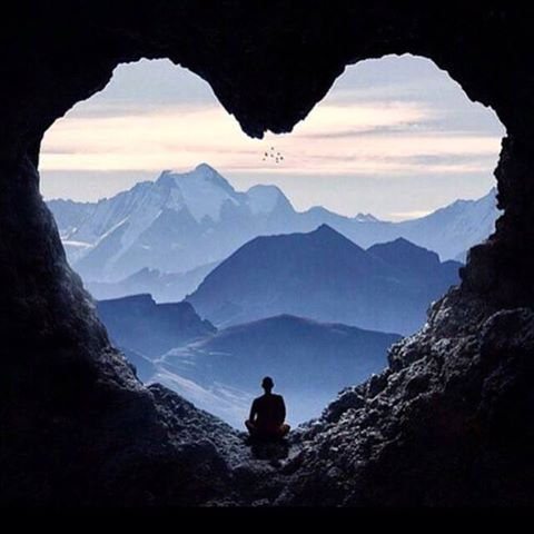 Die Schönheit der Dinge lebt in der Seele dessen, der sie betrachtet. (David Hume) Schönen Sonntag!! <3 www.weitwanderwege.com #wandern #weitwandern #weitwanderwege #mehrtagestouren #Schönheit #herz