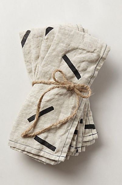 Would be an easy block print DIY on linen fabric.