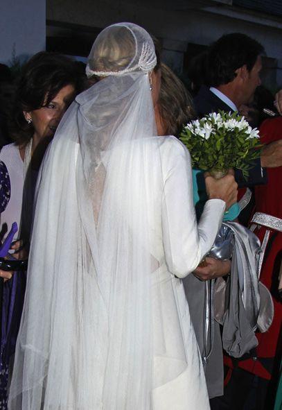 Trenza desenfadada y velo estilo pirata en la boda de Leticia Calderón