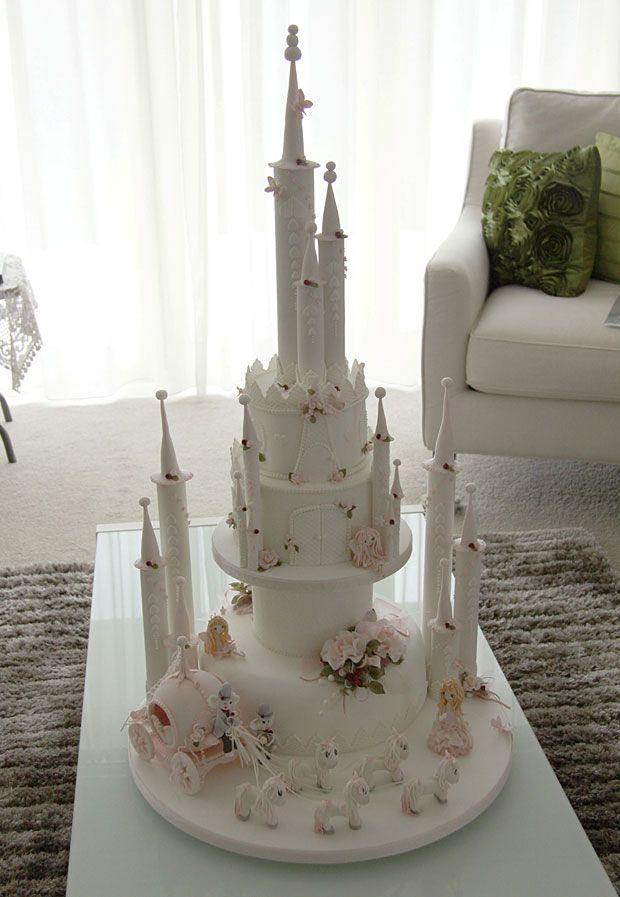 Cinderella cake: Bibbidi-bobbidi-boo, a gold medal for you | Stuff.co.nz