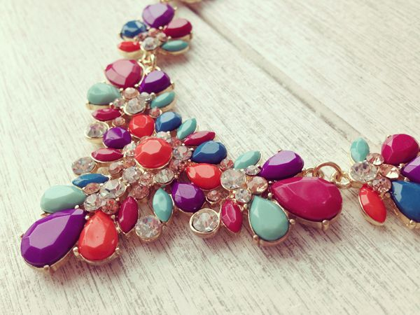 #floral #stone #necklace #jewelry