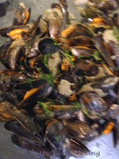 Happy thermomixing...: Moules marinières - Mussels in white wine