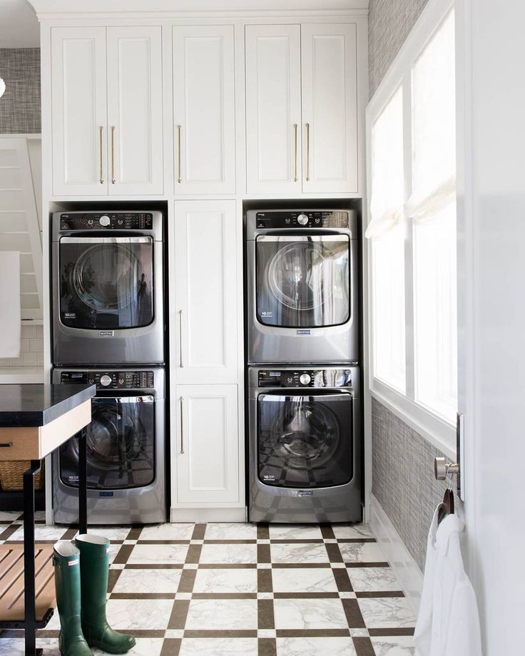 I can't get enough of this #new #laundryroom designed by @alicelanehome. Drop by the blog to see more #interiordesignideas! #laundryroomdesign #laundryroomgoals #goals #homedecor #laundry #flooring #interiors #newpost #post #iggoals #iginteriors #ighomes #blogs #bloggers #laundrymachines #cabinet #whitecabinet #hardware #blog #bloggerhome #interiordesign #interiorinspo #inspo #laundryroominspo