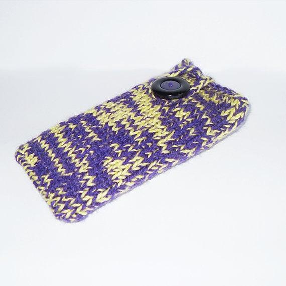 Geel met paars mobiele telefoon hoesje by DonutDuo on Etsy, €4,00