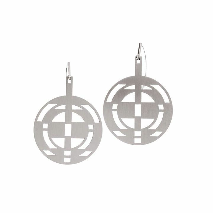 Simple, geometric shapes. Earrings from NANO collection by Anna Orska.