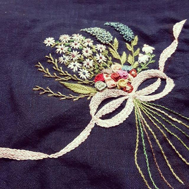 #핸드메이드 #프랑스자수 #embroidery#김해프랑스자수#오랫만에 바늘을 잡아보았다