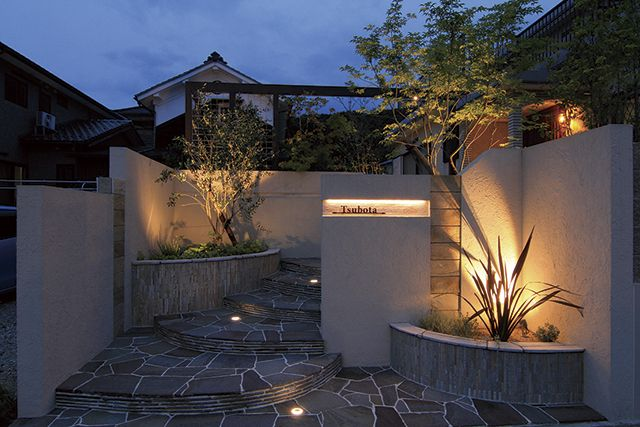 Spectacular garden lighting by lighting professionals. Enjoy a dramatic, romantic, even mysterious scene comparing to a day time.