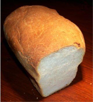 Aardappelbrood  450 gr bloem (SOUBRY) 100 gr aardappelpuree-poeder 310 ml water 1 el suiker 2 el boter 11/2 tl zout 10 gr gedroogde gist