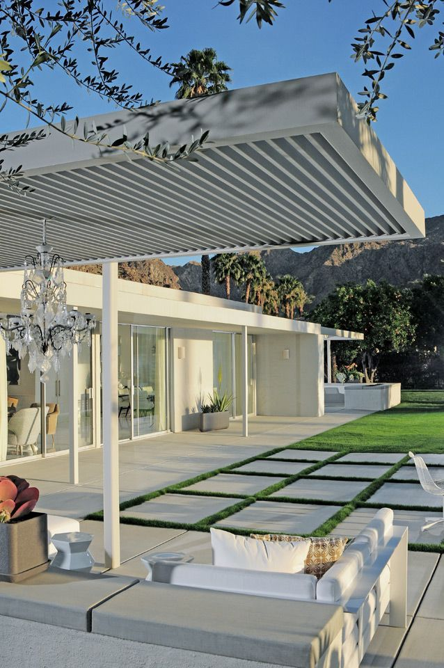 Eldorado Residence, Palm Springs...adore the chandelier and landscaping..