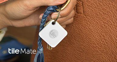 Grâce au très chic et nouveau dispositif Tile Slim doté de la technologie Bluetooth, retrouvez facilement tous vos objets égarés. Recevez une remise pouvant atteindre 15% et profitez des frais de port offerts. L'application mobile est compatible avec les appareils Android et iPhone.