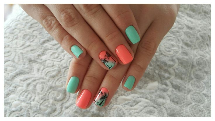 August nails, Beach nails, Beautiful summer nails, Exotic nails, Julynails, overflow nails, Palm tree nail art, Resort nails