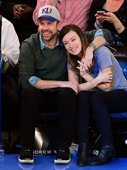 COURTSIDE CUDDLES Jason Sudeikis and Olivia Wilde sit courtside at Madison Square Garden as the New York Knicks take on the Toronto Raptors.