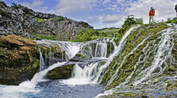 fullonwedding-honeymoon destinations-10 most adventurous honeymoon destinations-iceland