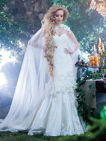 Spectacular Best Disney wedding gowns ideas on Pinterest Wedding breakfast flowers Pearl wedding dresses and Princess wedding dresses
