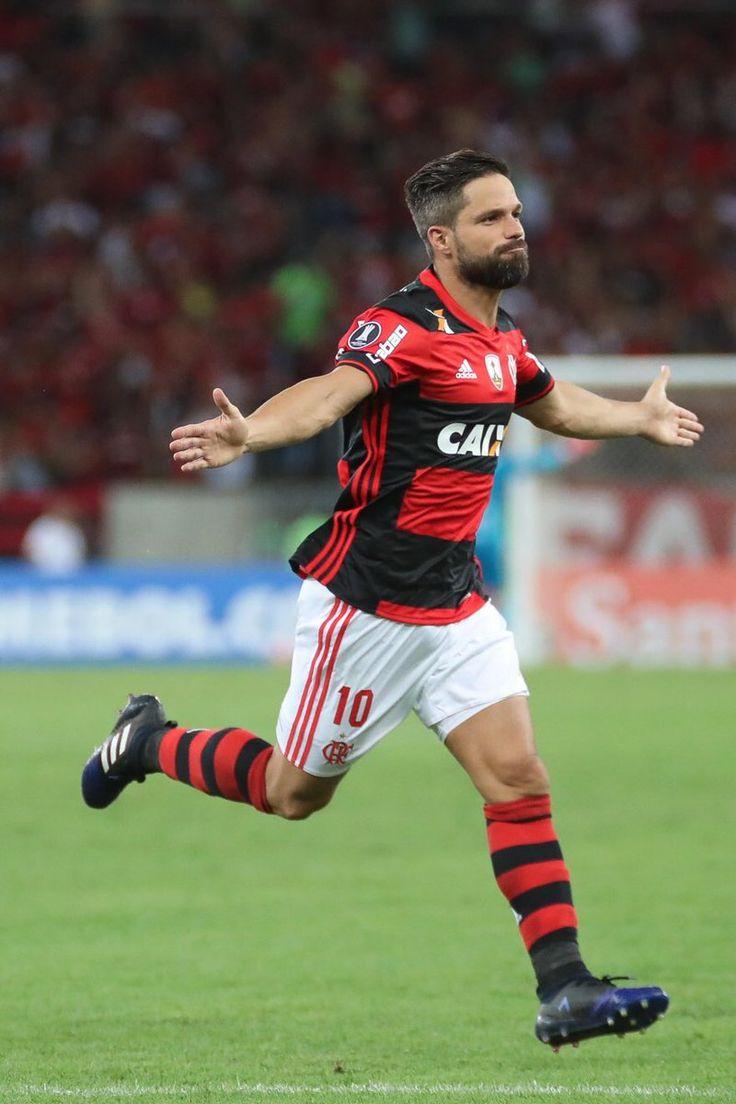 SOBRE ONTEM !   @ribasdiego10 | QUE HOMEM   - 1 Gol e 3 Assistências   @Flamengo #Maracana #Flamengo ⚫    1981 | ISSO AQUI É FLAMENGO | 2017
