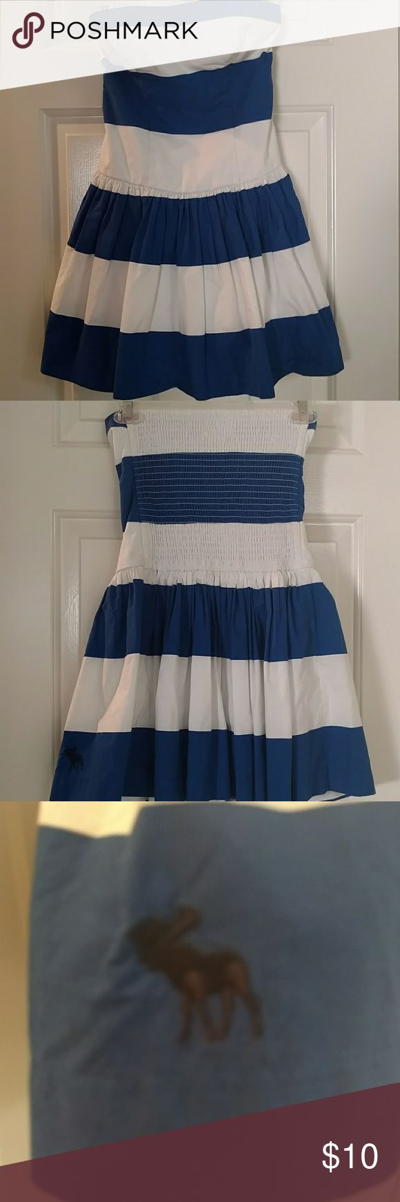 Strapless Abercrombie and Fitch dress Blue & white perfect spring/ summer dress Abercrombie & Fitch Dresses Midi