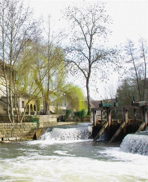 MORET sur LOING - ILE DE FRANCE - BELLE FRANCE - BEAUTE DE FRANCE - PAYSAGES DE FRANCE