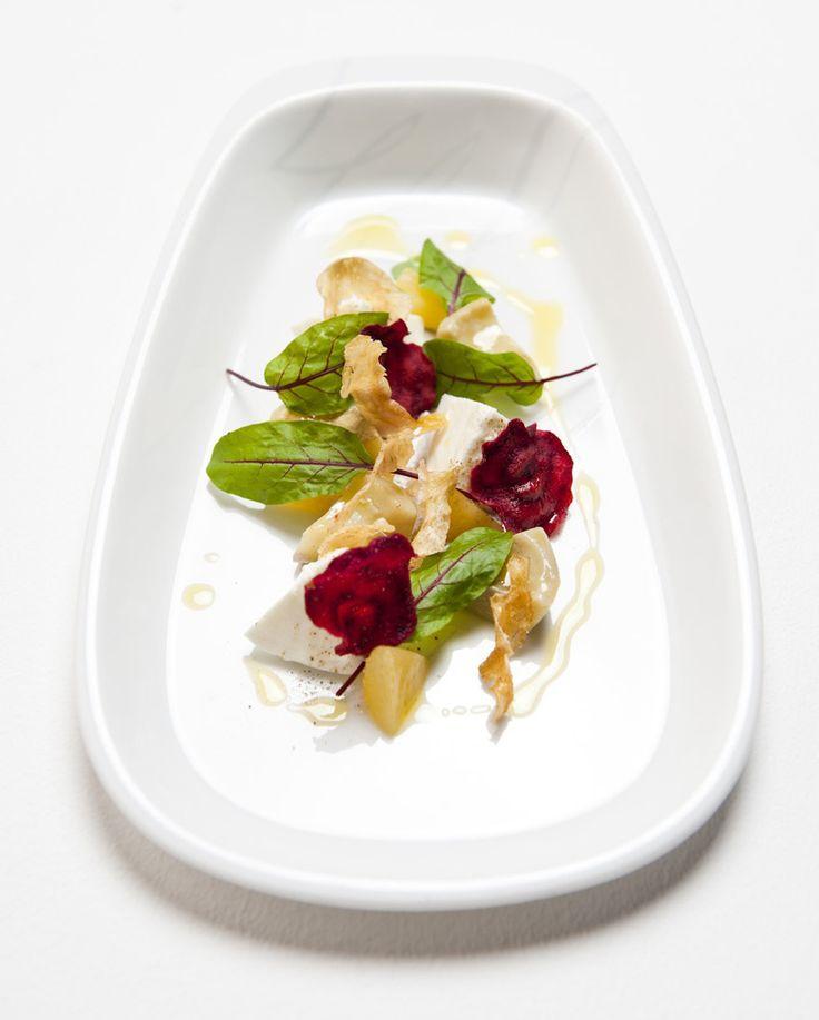 Artichoke salad with Amalfi lemons Perigord truffle remoulade and buffalo mozzarella by austrian chef Mario Lohninger from his earlier days at Silk and Micro.  #mariolohninger #frankfurt #chefstalk #chefs#bestchef#foodphotography #foodstyle #foodstagram #foodstarz #foodpics #guidemichelin #gaultmillau #starmichelin #chefsplateform #soignefood #greatplates #discoveringChefs #simplistic_food #ExpertFoods #foodpicoftheday #theartofplating #michelinstar #gastrogram #gourmet #gastronomy…