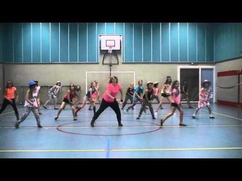 It is Disco Time!!! Groep 3 in de leeftijd van 10-11 jaar laat zien dat lekker dansen echt een feestje is! Choreografie Chantal Kik @ Dansstudio Chanzz. www....
