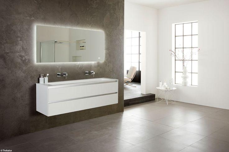 info over badkamers spiegel met verlichting thebalux