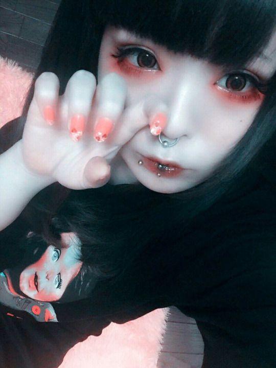 RT @kuua_oyasumi: 顔面で遊びマン http://flip.it/NZgwa